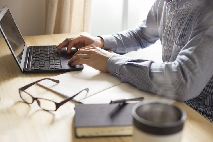 パソコンでの勉強イメージ