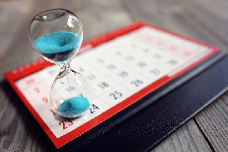 カレンダーで太陽光発電の導入時期を検討する